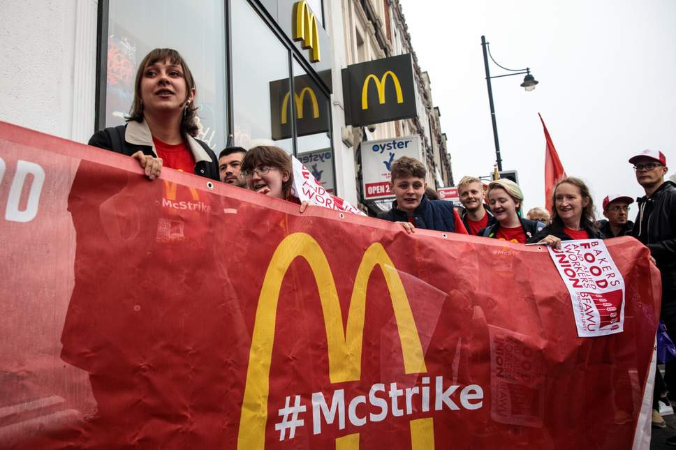 Workers of McDonald's are demanding a minimum wage and recognition of unions