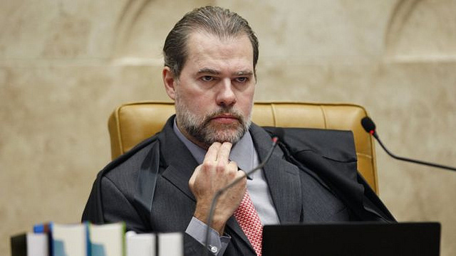 6d944cd987e05 Brazil's chief justice strikes down ruling that could have set Lula free