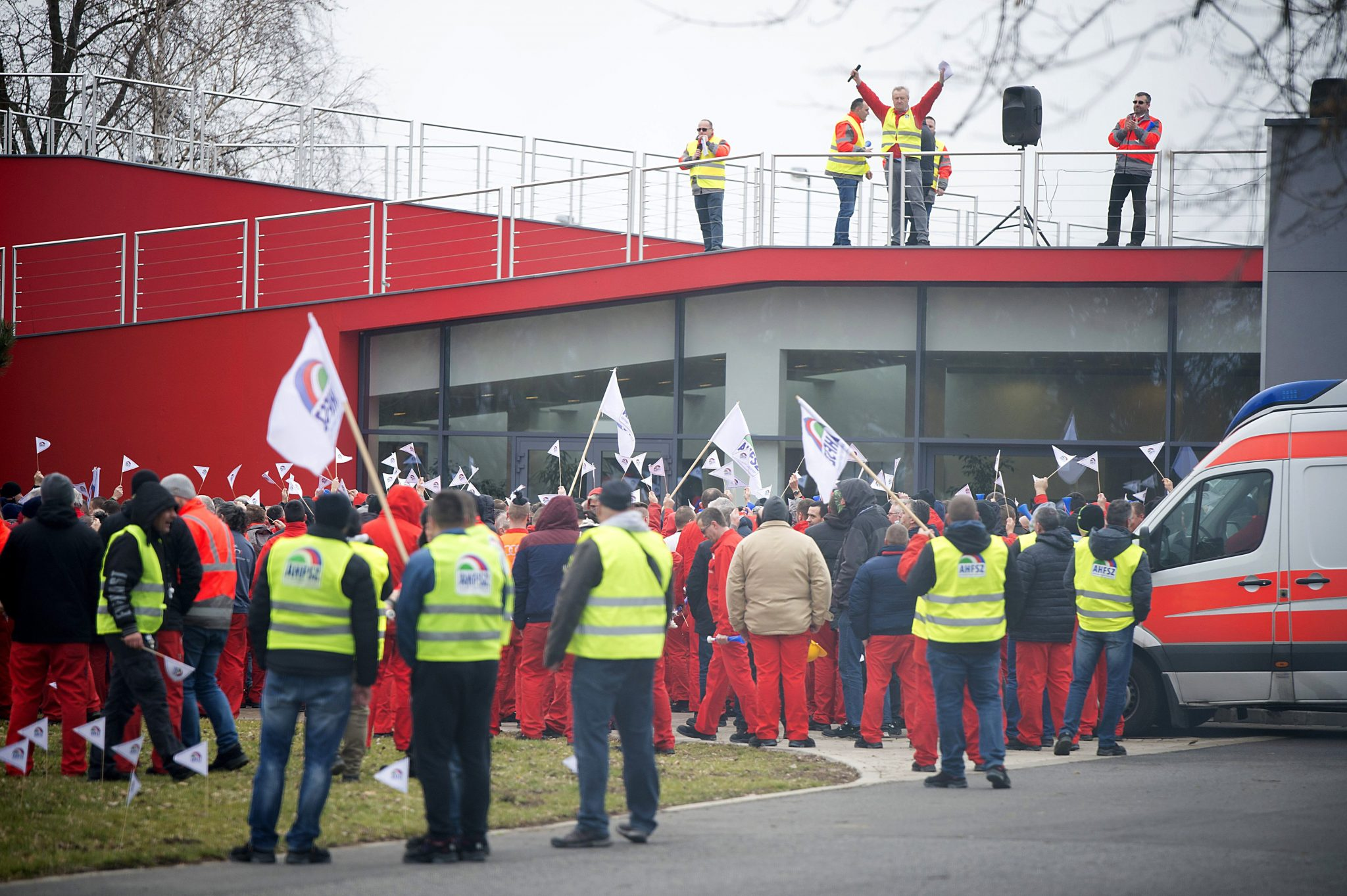 audi workers in hungary agitate for higher pay, benefits : peoples