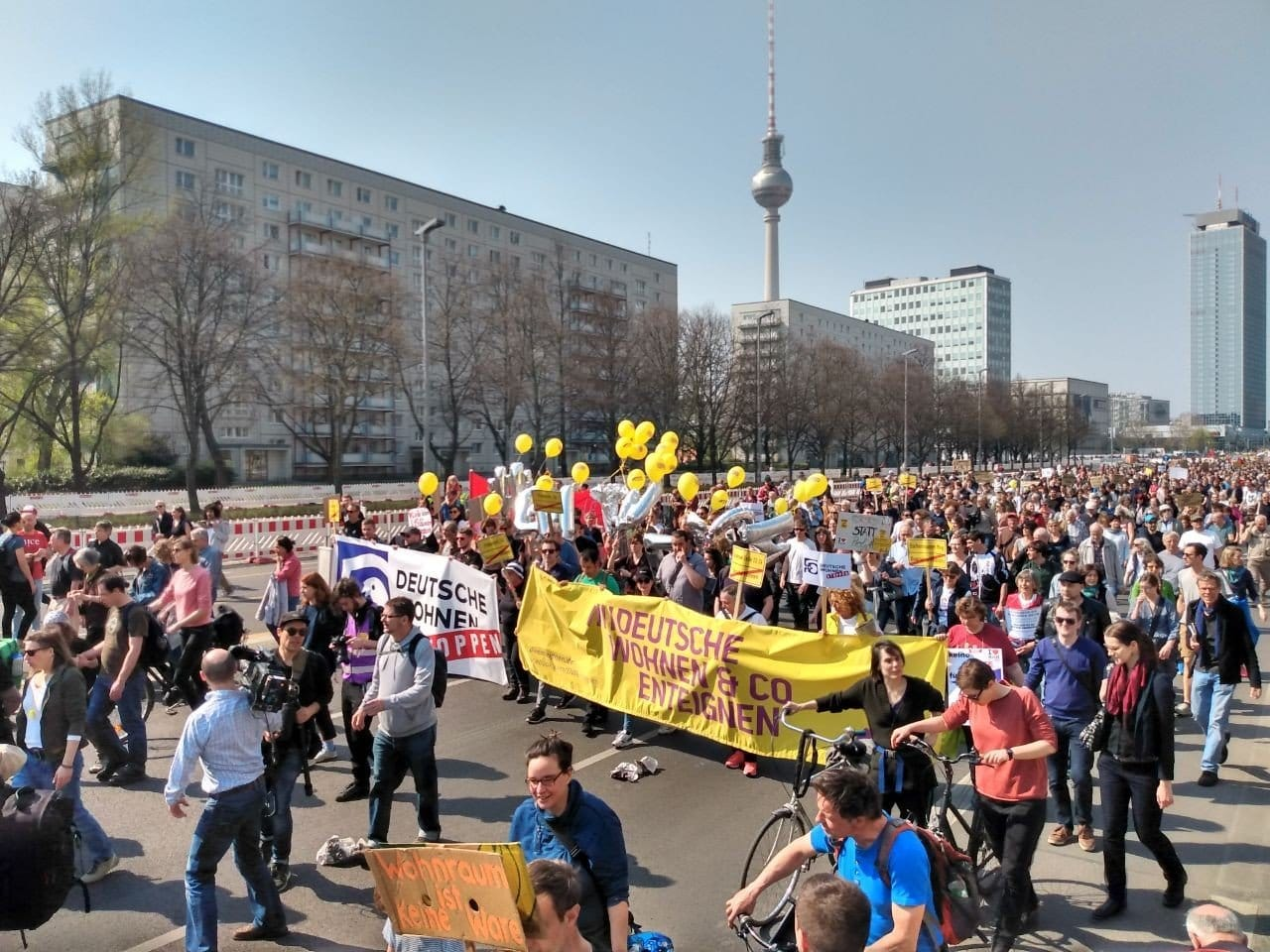 Demanding affordable housing, thousands march in Berlin ...