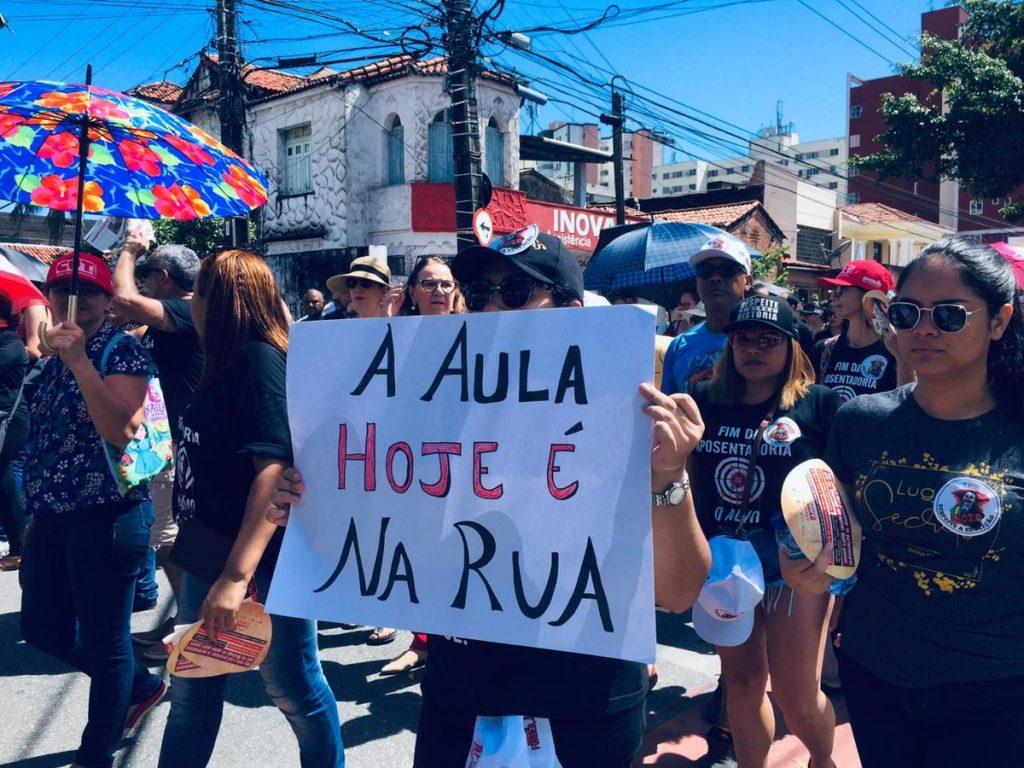 Protest in defense of education in Brazil 3