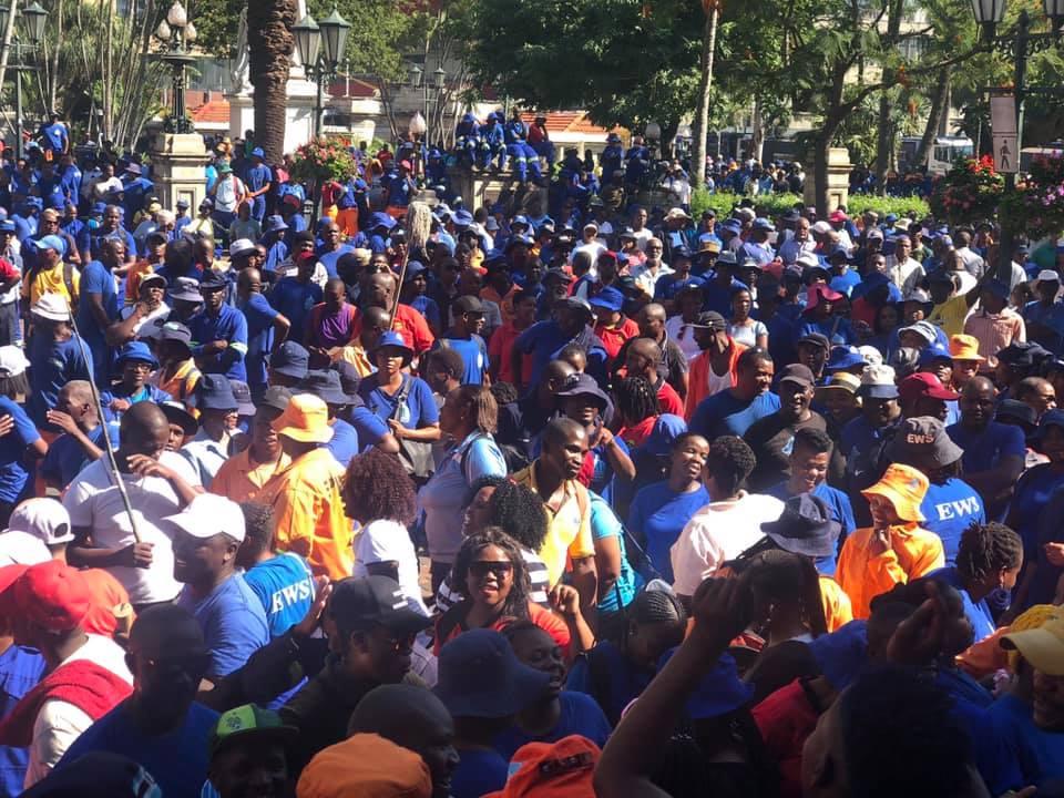 Talks between striking sanitation workers, Durban municipality to