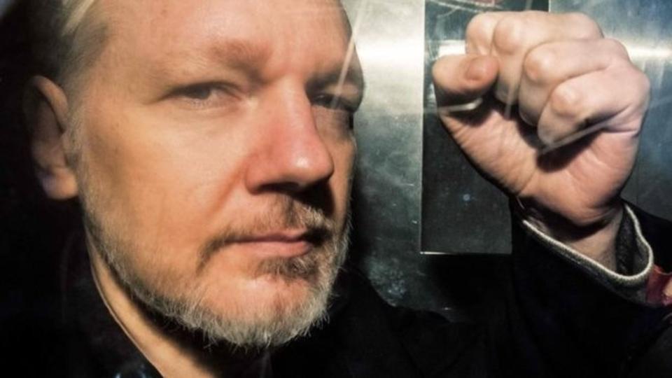 Julian Assange prison