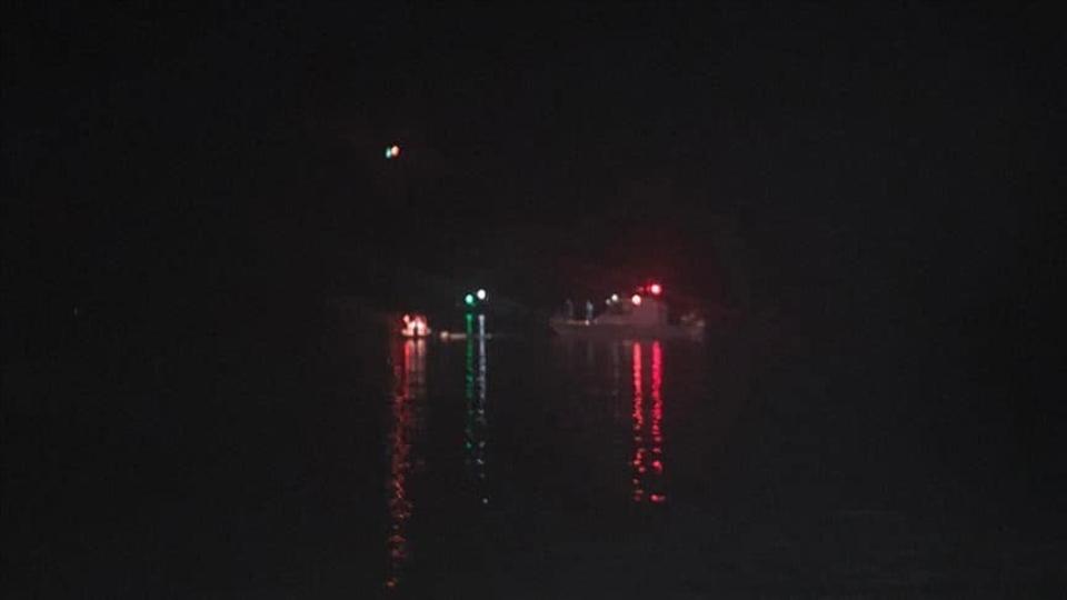 Refugee boats capsize