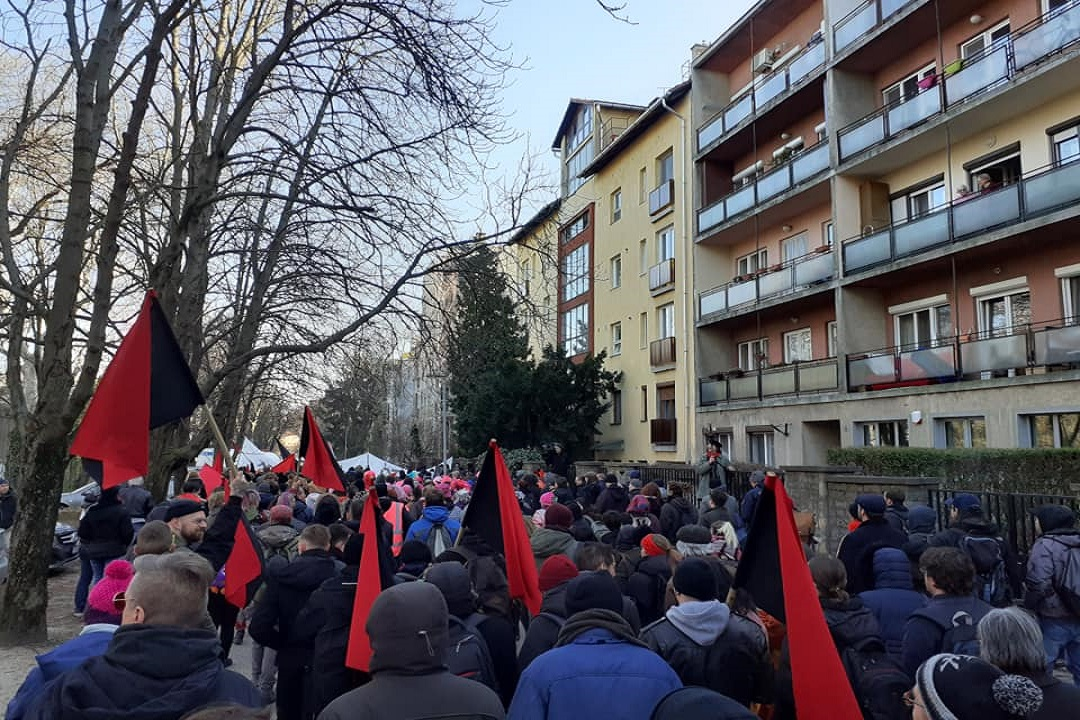 https://peoplesdispatch.org/wp-content/uploads/2020/02/anti-nazi-protests-hungary.jpg