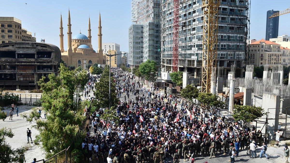 Lebanon protests resume