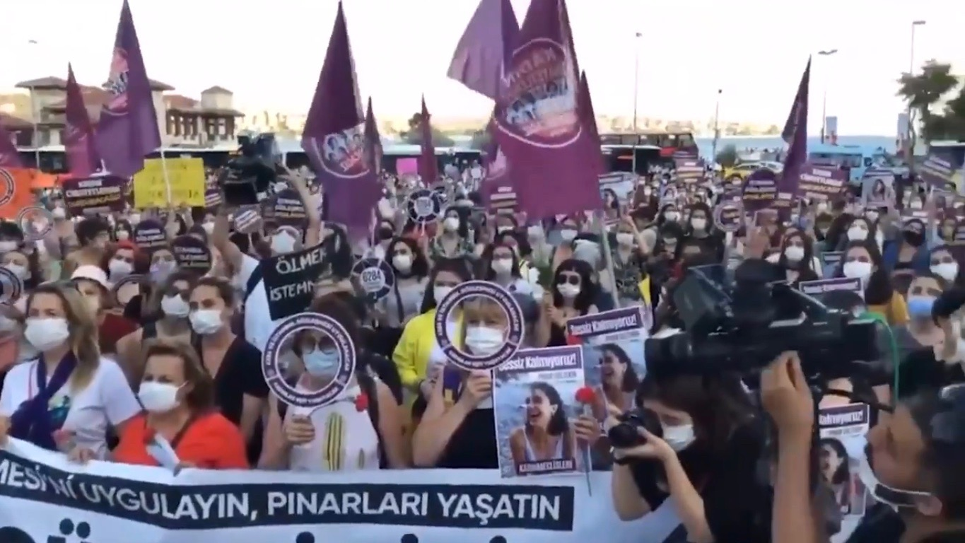 Turkey women protest