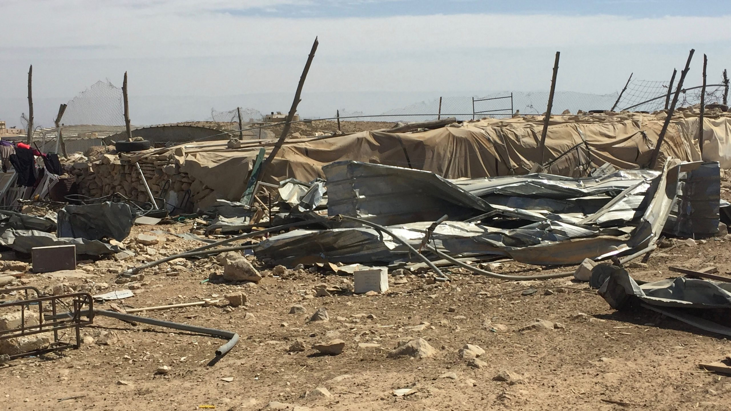 Israel demolishes Palestinian structures