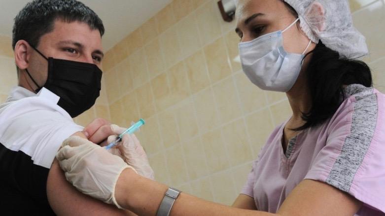 Russia, UK, COVID vaccines